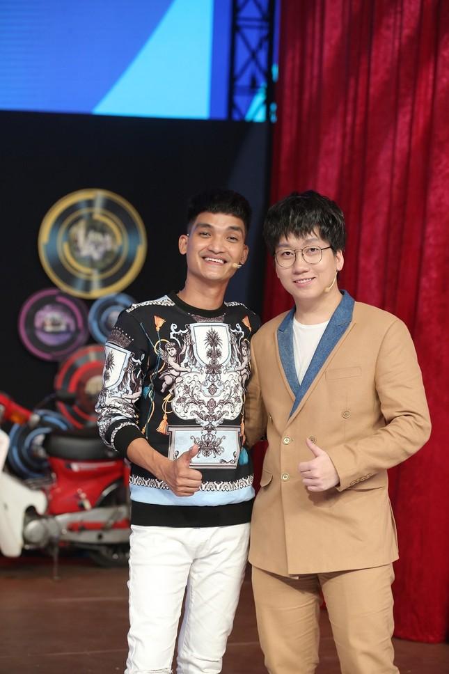 Tuấn Tú xúc động tiết lộ MC Lại Văn Sâm chính là người thầy đầu tiên trong sự nghiệp ảnh 3