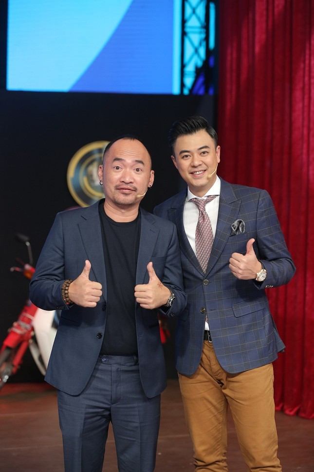 Tuấn Tú xúc động tiết lộ MC Lại Văn Sâm chính là người thầy đầu tiên trong sự nghiệp ảnh 2
