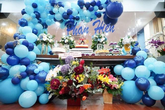 Khánh Thi nén đau sau sinh mổ để tổ chức sinh nhật cho Phan Hiển ảnh 2
