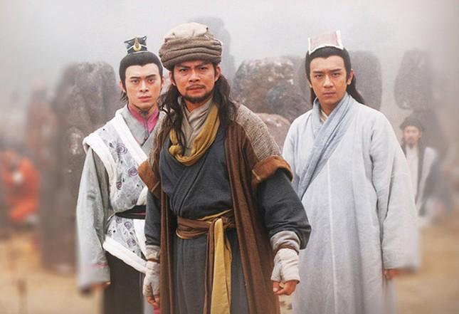Kim Dung: Sự nghiệp vang danh, cuộc đời bi kịch ảnh 1