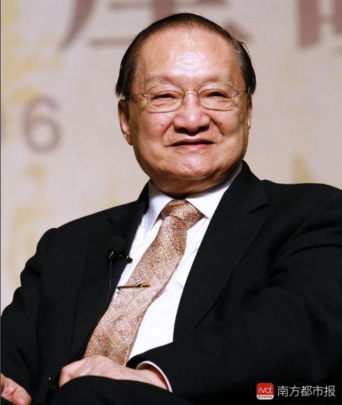 4 con của Kim Dung: Không ai theo nghiệp cha, con cả 'bi thảm' nhất ảnh 1