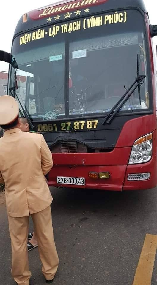 Hãi hùng hiện trường xe khách đâm chết ít nhất 7 người đi đưa tang ở Vĩnh Phúc ảnh 6