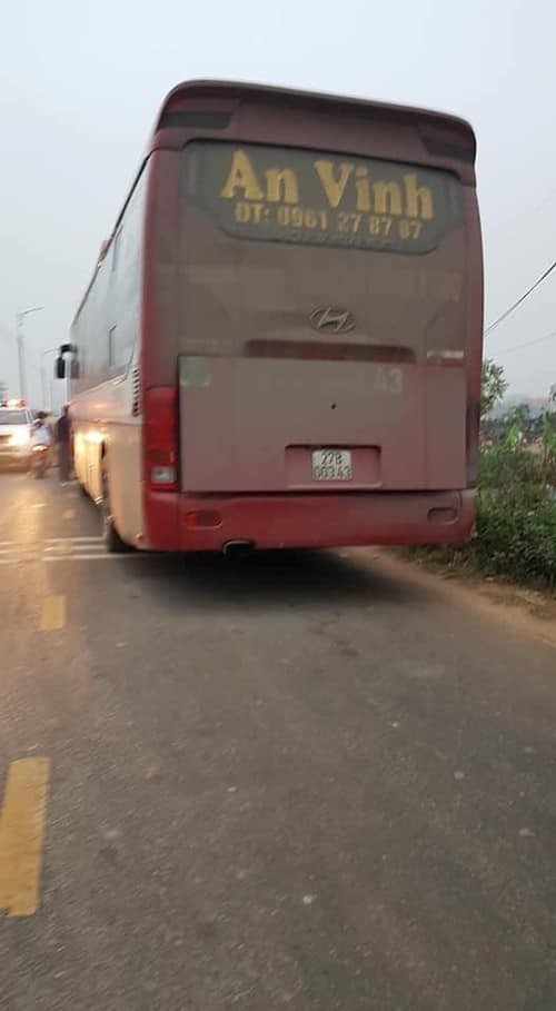 Hãi hùng hiện trường xe khách đâm chết ít nhất 7 người đi đưa tang ở Vĩnh Phúc ảnh 7