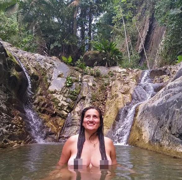 Nữ du khách bị chỉ trích chụp ảnh khỏa thân làm 'ô uế' dòng nước phát ngôn sốc ảnh 2