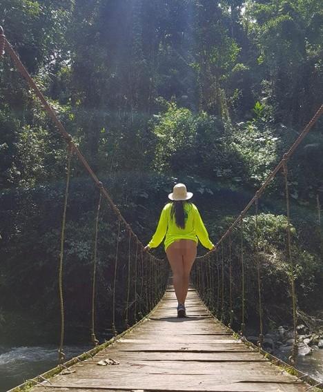 Chụp ảnh khỏa thân phản cảm khắp nơi, blogger du lịch gây phẫn nộ ảnh 6