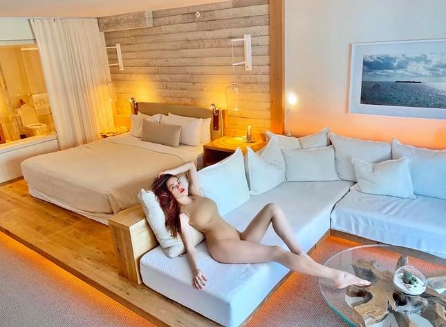 Hồ Ngọc Hà tung ảnh bikini gợi cảm màu nude khoe dáng đẹp như tạc tượng ảnh 1