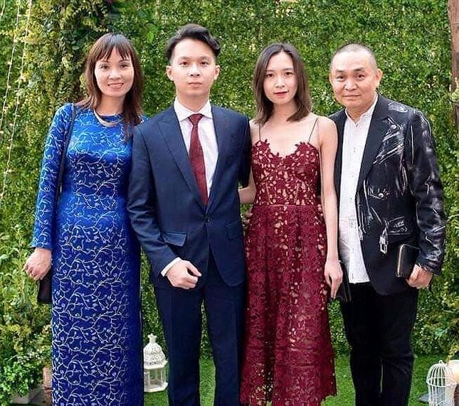 Xuân Hinh chia sẻ ảnh gia đình 'ngày này năm xưa' gây 'sốt' ảnh 8