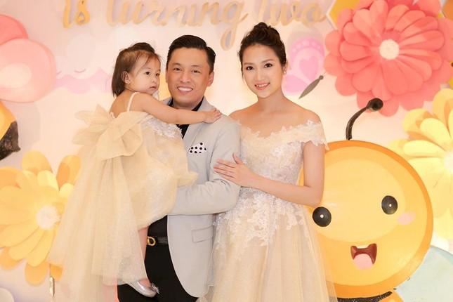 Nhan sắc ngọt ngào, gợi cảm của vợ 'anh Hai' Lam Trường ảnh 9