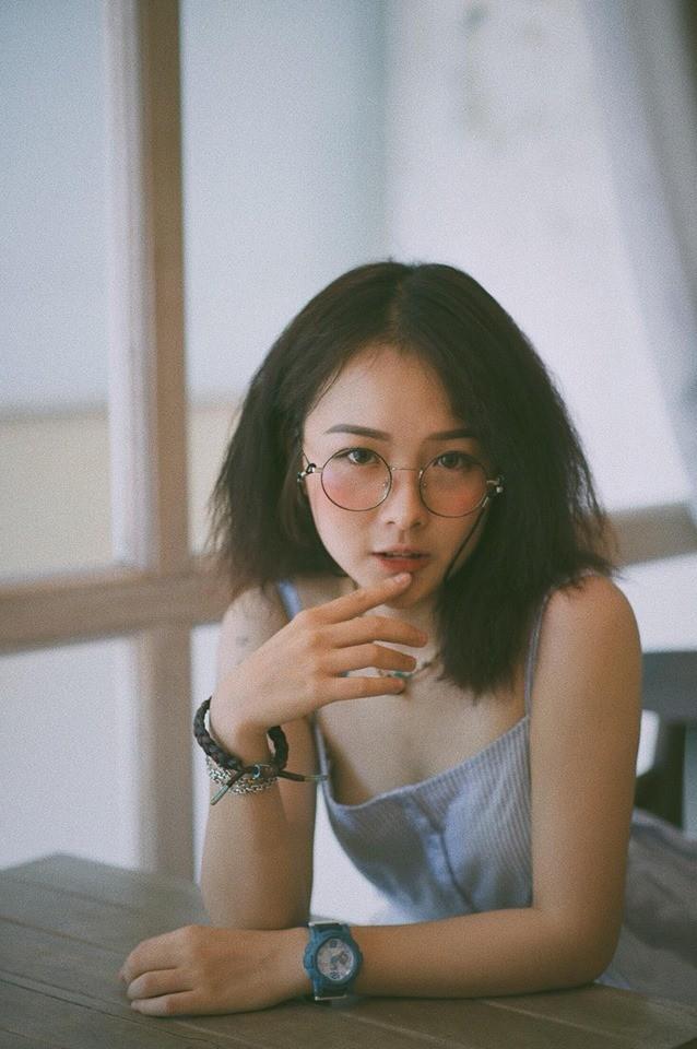 Hot girl cưỡng hôn đồng giới Dương trong 'Về nhà đi con' ngoại truyện là ai? ảnh 6