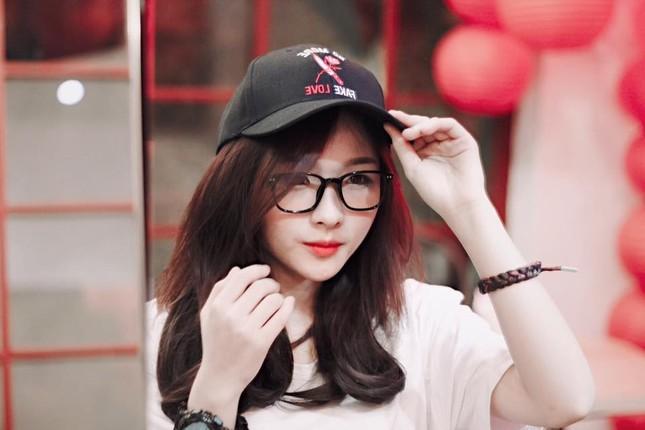 Hot girl cưỡng hôn đồng giới Dương trong 'Về nhà đi con' ngoại truyện là ai? ảnh 7