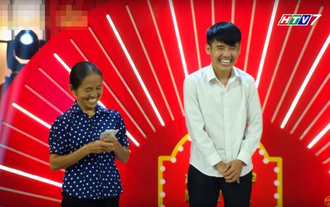 Bà Tân Vlog lại 'đại náo' mạng xã hội và 'chọc' Lê Giang ở 'Thách thức danh hài' ảnh 12
