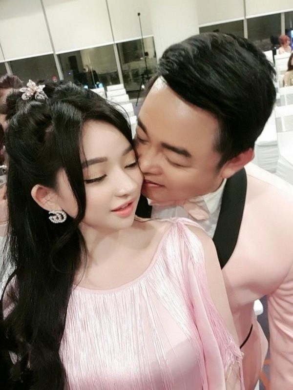 Hot girl bị đồn yêu Quang Lê, là vợ cũ Hồ Quang Hiếu nóng bỏng cỡ nào? ảnh 5