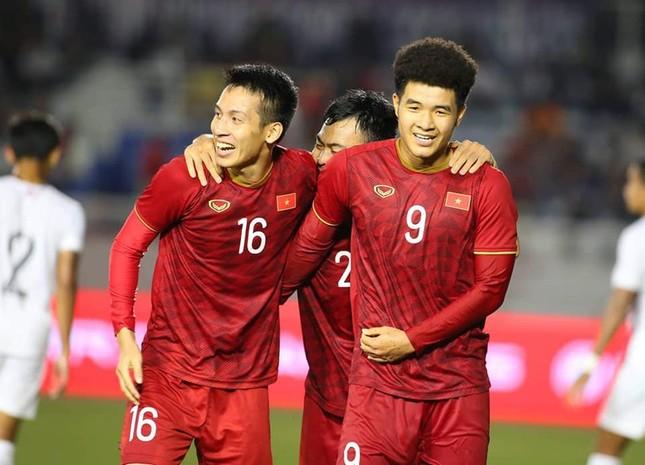 Hoài Linh lần đầu làm điều gây 'sốt' để mừng U22 Việt Nam thắng U22 Campuchia ảnh 1