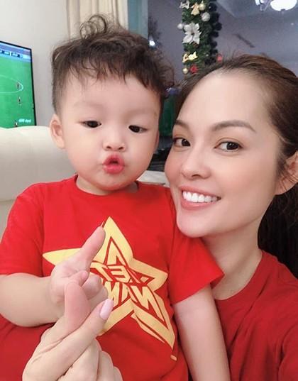 Hoài Linh lần đầu làm điều gây 'sốt' để mừng U22 Việt Nam thắng U22 Campuchia ảnh 9