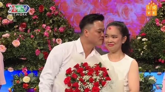 Người hẹn hò cô gái gây sốc vì đòi tài trợ du lịch Châu Âu đã lấy vợ ảnh 3