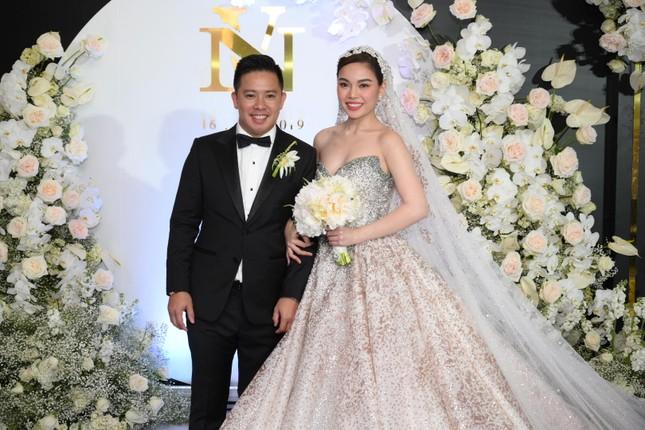 Cường Đô la, Đông Nhi và loạt sao kết hôn trong năm 2019 ảnh 3