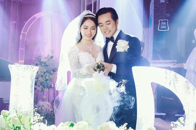Cường Đô la, Đông Nhi và loạt sao kết hôn trong năm 2019 ảnh 7