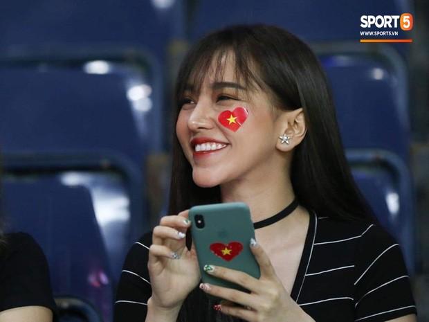 Bạn gái hot girl của Hoàng Đức gây 'bão' cộng đồng mạng Thái vì quá gợi cảm ảnh 2