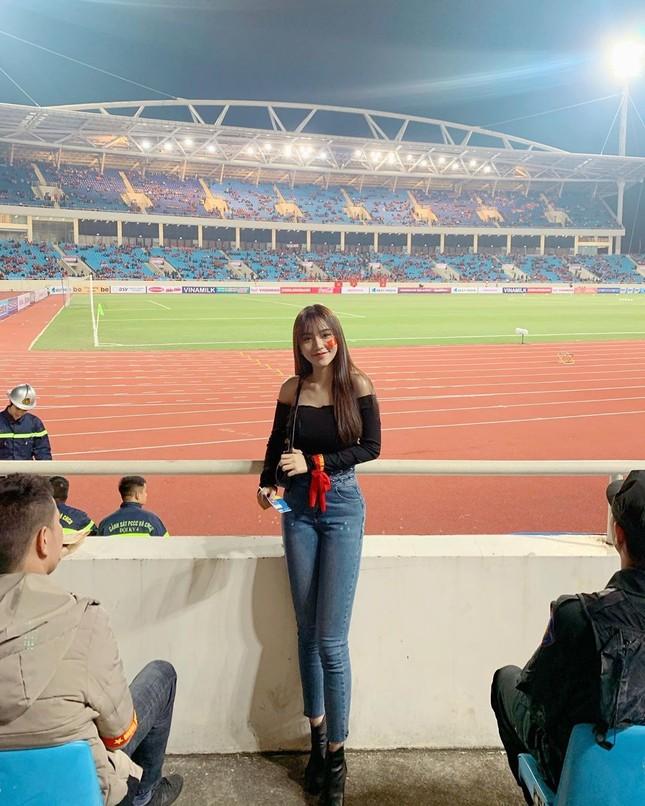Bạn gái hot girl của Hoàng Đức gây 'bão' cộng đồng mạng Thái vì quá gợi cảm ảnh 6