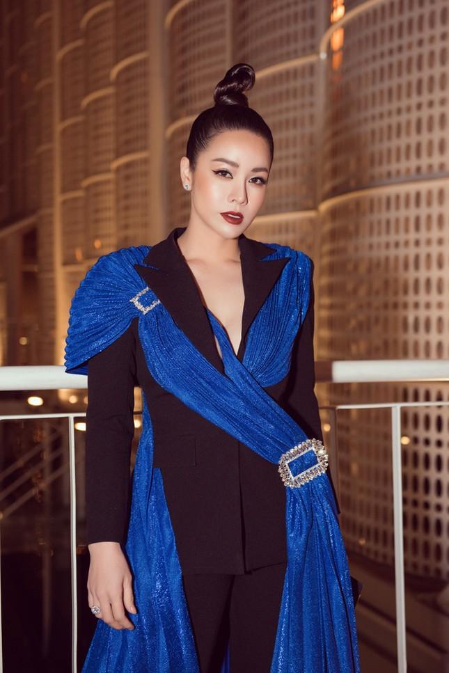 Showbiz 17/1: Ốc Thanh Vân tiết lộ Mai Phương có lúc nói không ra hơi ảnh 6