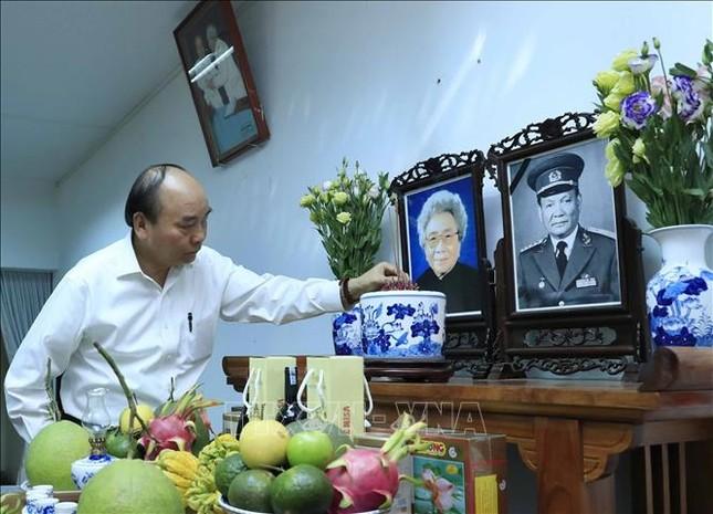 Thủ tướng dâng hương, tưởng nhớ các đồng chí nguyên lãnh đạo đã từ trần ảnh 4
