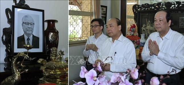 Thủ tướng dâng hương, tưởng nhớ các đồng chí nguyên lãnh đạo đã từ trần ảnh 5