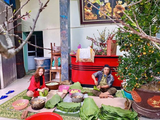 Sao Việt trang hoàng nhà cửa rực rỡ đào mai đón Tết ảnh 12