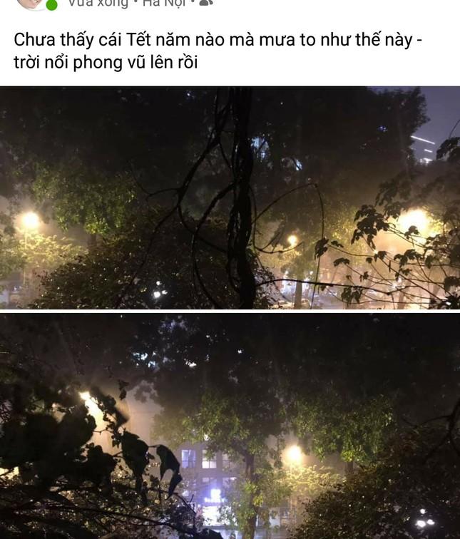 Dân mạng đồng loạt 'cảm thán' về trận mưa lịch sử vào đêm 30 Tết ảnh 4