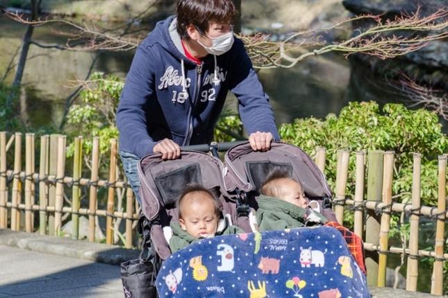 Đàn ông Nhật nghỉ thai sản nhưng lười việc nhà, không giúp đỡ vợ ảnh 1