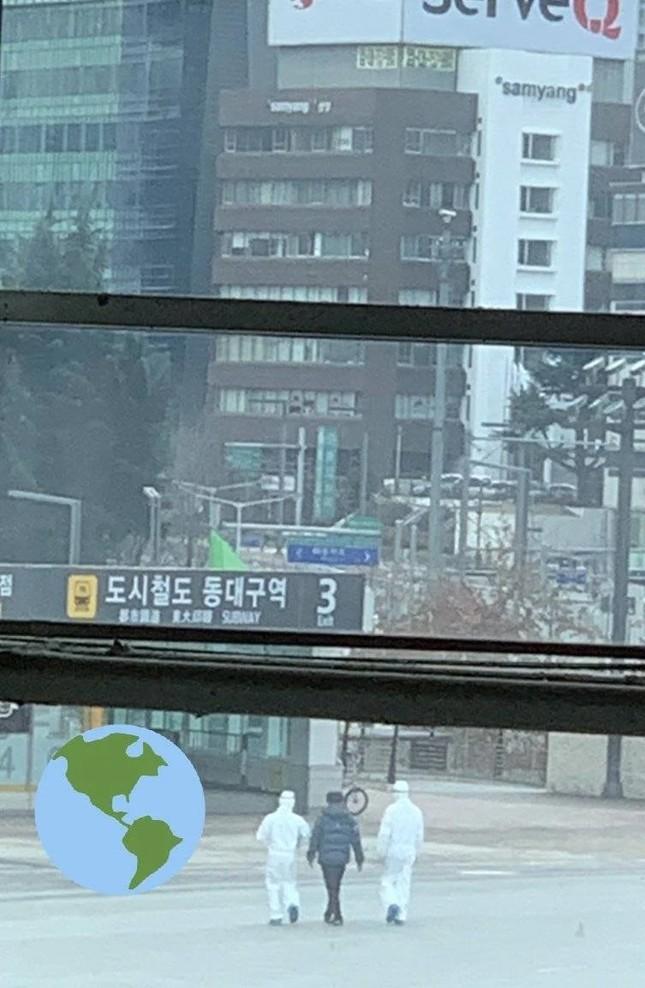 Nhóm YouTuber Hàn bị bắt vì giả cảnh 'truy đuổi' bệnh nhân nhiễm virus corona ảnh 2