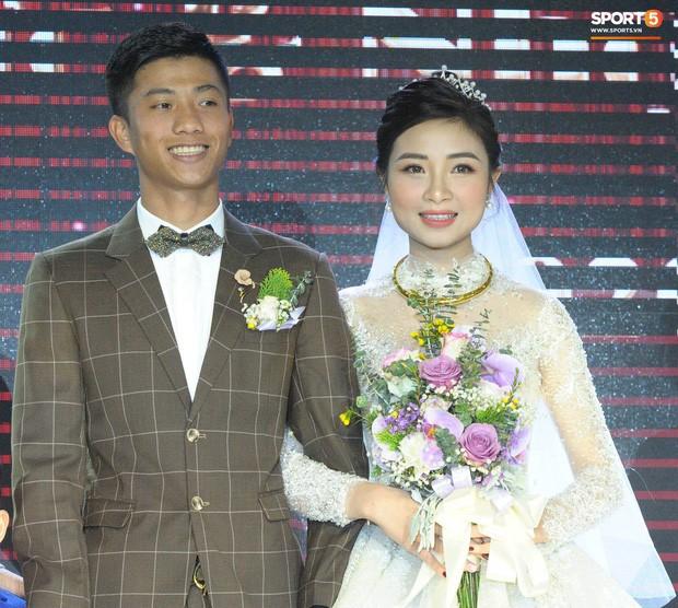 Vợ Phan Văn Đức thông báo mang thai trong ngày cưới ảnh 2