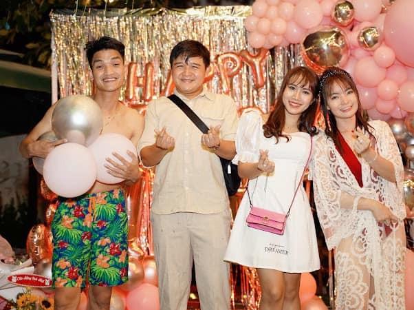 Bạn gái Mạc Văn Khoa mặc váy xẻ gợi cảm trong tiệc sinh nhật ảnh 6
