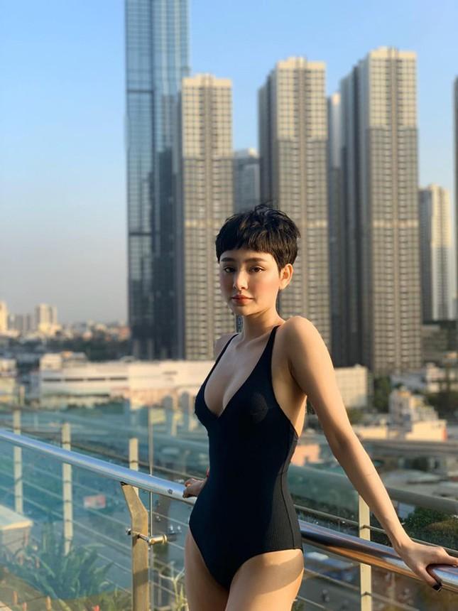 Sau nghi vấn hẹn hò Quang Hải, Hiền Hồ gây 'bão' vì bộ ảnh bikini rực lửa ảnh 5