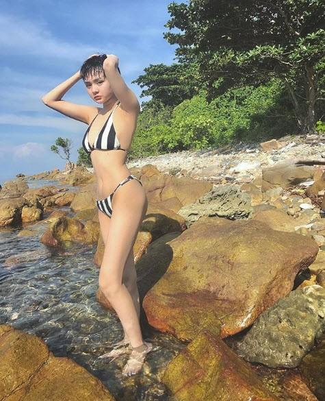Sau nghi vấn hẹn hò Quang Hải, Hiền Hồ gây 'bão' vì bộ ảnh bikini rực lửa ảnh 7