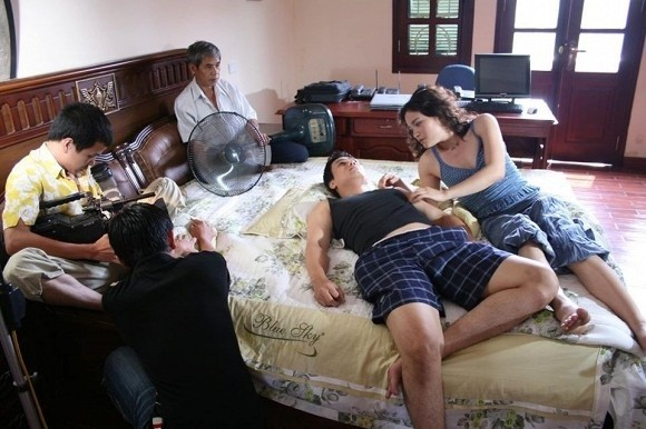 Showbiz 20/2: Việt Anh lần đầu hé lộ 'cảnh nóng' trong phim 'Chạy án' đình đám ảnh 1