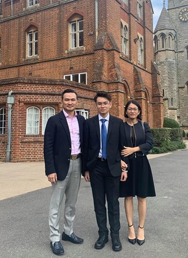 Chi Bảo quyết định đưa con trai là du học sinh tại Anh về nước vì Covid -19 ảnh 2