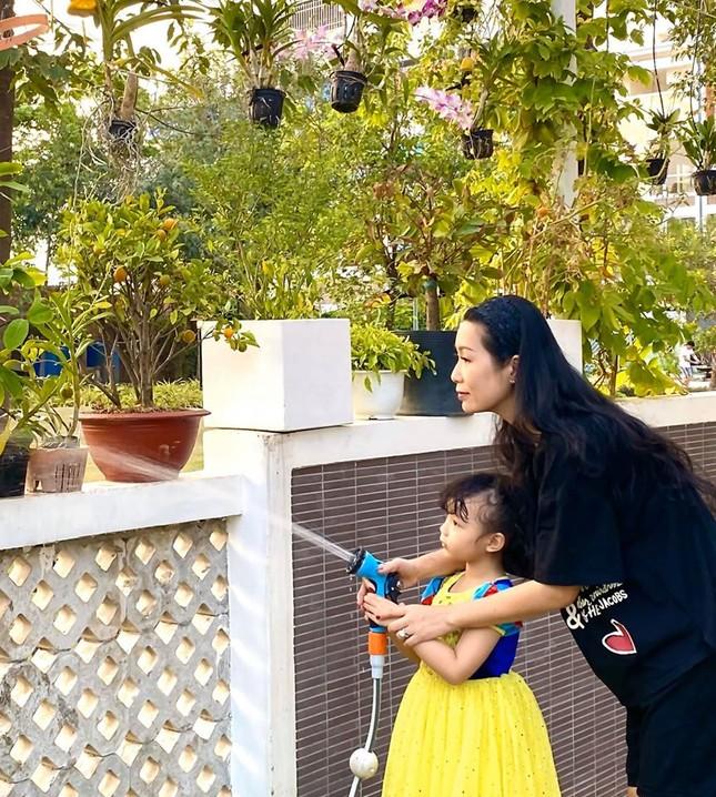 Phát 'sốt' với vườn cây xanh mướt trong biệt thự sang trọng của Trịnh Kim Chi ảnh 5