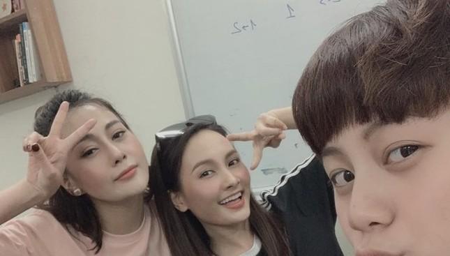 Showbiz 26/3: Diễn viên đình đám xứ Hàn gây 'sốc' vì tiết lộ khóc 40 phút mỗi ngày ảnh 2