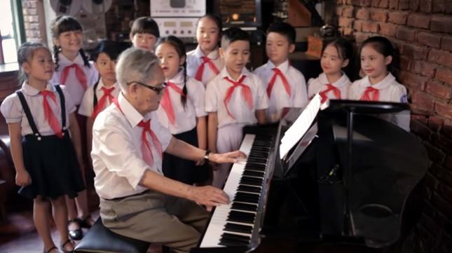 Nhạc sĩ 'Ai yêu Bác Hồ Chí Minh hơn thiếu niên nhi đồng' qua đời ở tuổi 96 ảnh 1