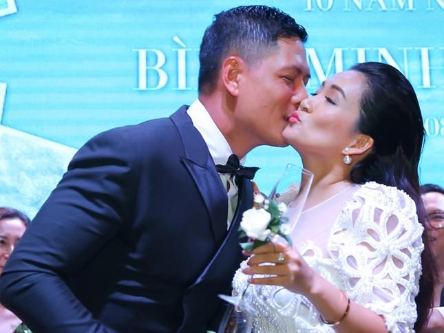 Hành động ngọt ngào của vợ chồng Bình Minh khi kỉ niệm 12 năm ngày cưới giữa đại dịch ảnh 7