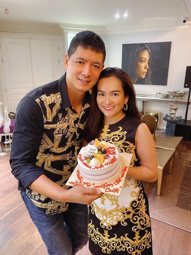 Hành động ngọt ngào của vợ chồng Bình Minh khi kỉ niệm 12 năm ngày cưới giữa đại dịch ảnh 1