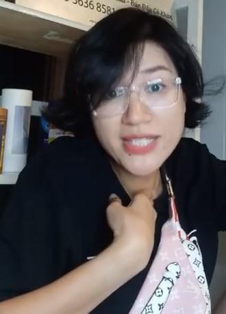 Trang Trần tiết lộ từng bị giang hồ dọa rạch mặt vì được chọn làm vedette khi mới vào nghề ảnh 1