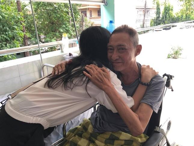 Showbiz 19/4: Sao Việt tưởng nhớ nghệ sĩ Lê Bình trong ngày giỗ đầu ảnh 1