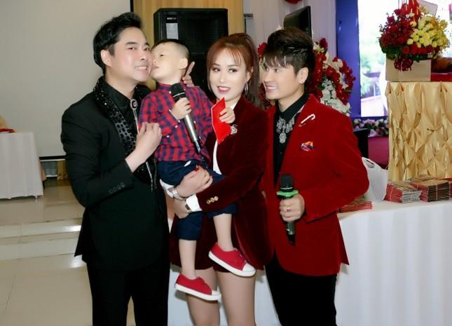 Showbiz 22/4: 'Vua nhạc sàn' Lương Gia Huy ly hôn DJ Chích Chòe ảnh 1