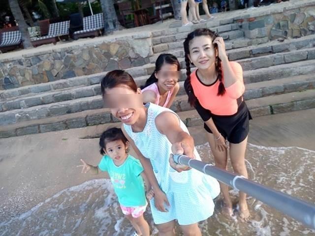 Bạn thân chia sẻ xúc động về hai vú nuôi đang chăm sóc con gái Mai Phương ảnh 3