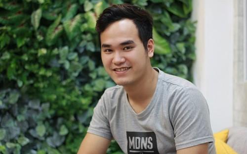 Showbiz 28/4: Tiên Nguyễn gặp lại bố và anh trai Phillip Nguyễn ảnh 4