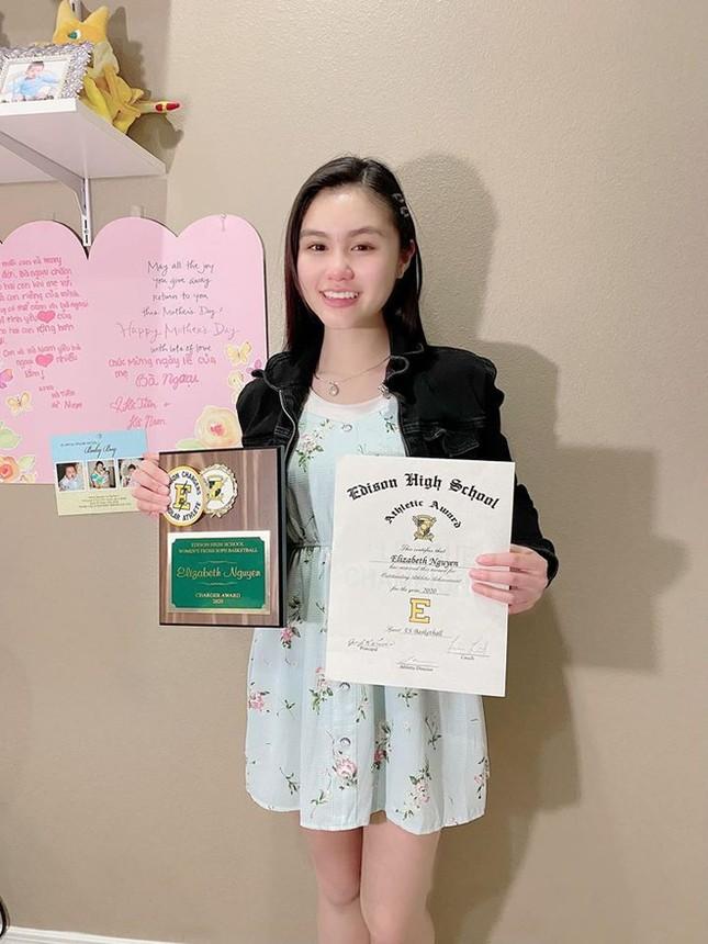 Con gái 16 tuổi xinh đẹp, tài năng của nghệ sĩ Ngọc Huyền ảnh 6