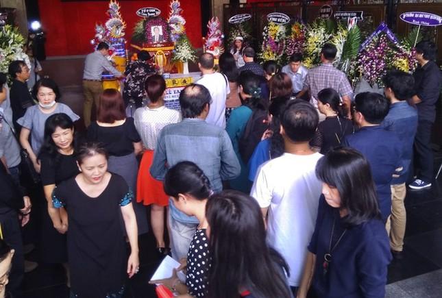 Showbiz 18/5: Ông bầu Hoàng Vũ vẫn giữ thư, tin nhắn tình cảm của Lan Trinh ảnh 6