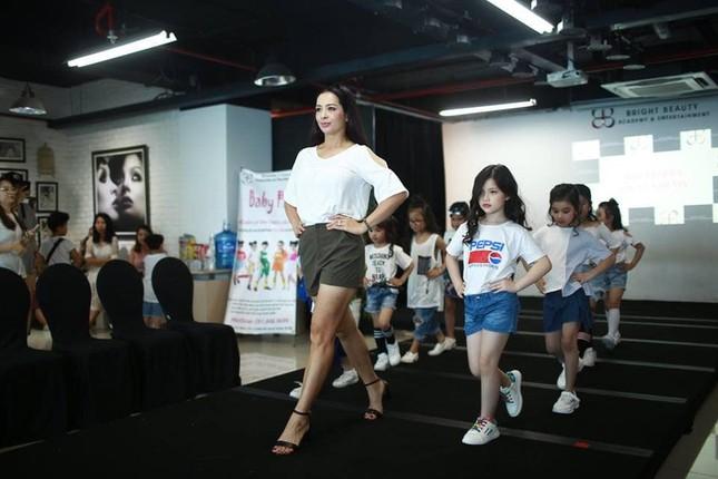 Ảnh bikini hiếm của cựu siêu mẫu Thúy Hằng sau 5 năm 'không dám' diện đồ hở ảnh 11