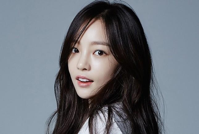 Showbiz 20/5: Song Hye Kyo tái hợp Hyun Bin sau ly hôn ? ảnh 7